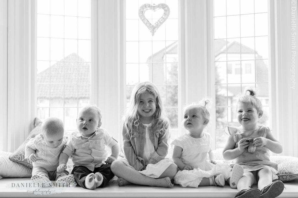 family photo shoot at home 25.jpg