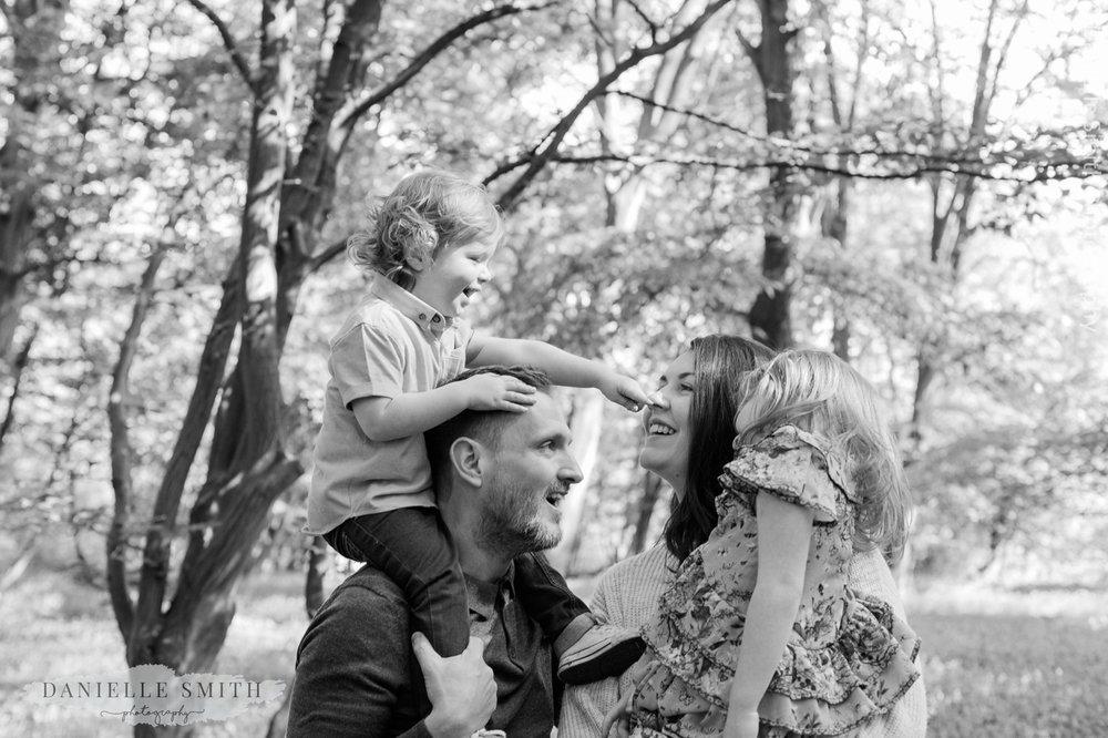 lifestyle family photos bluebells 10.jpg
