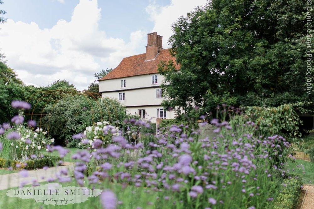 houchins farmhouse and gardens