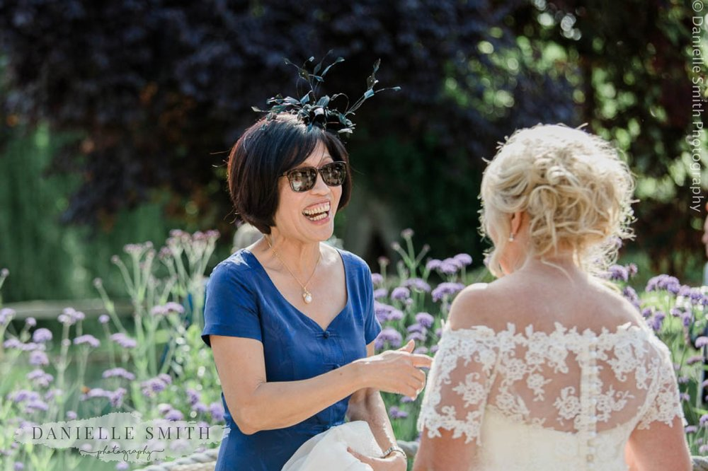 chilled out wedding at houchins 4 11.jpg