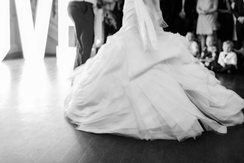 movement of brides dress when dancing