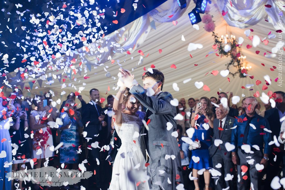 first dance with confetti cannons