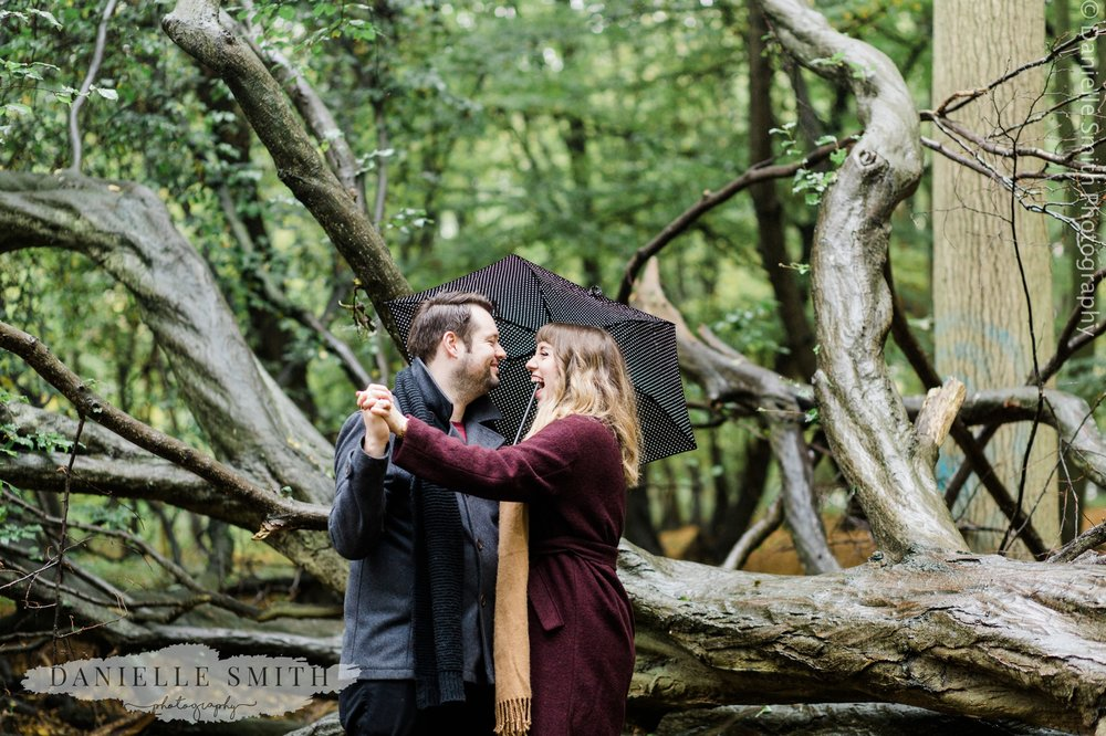 pre-wedding photography in woodland