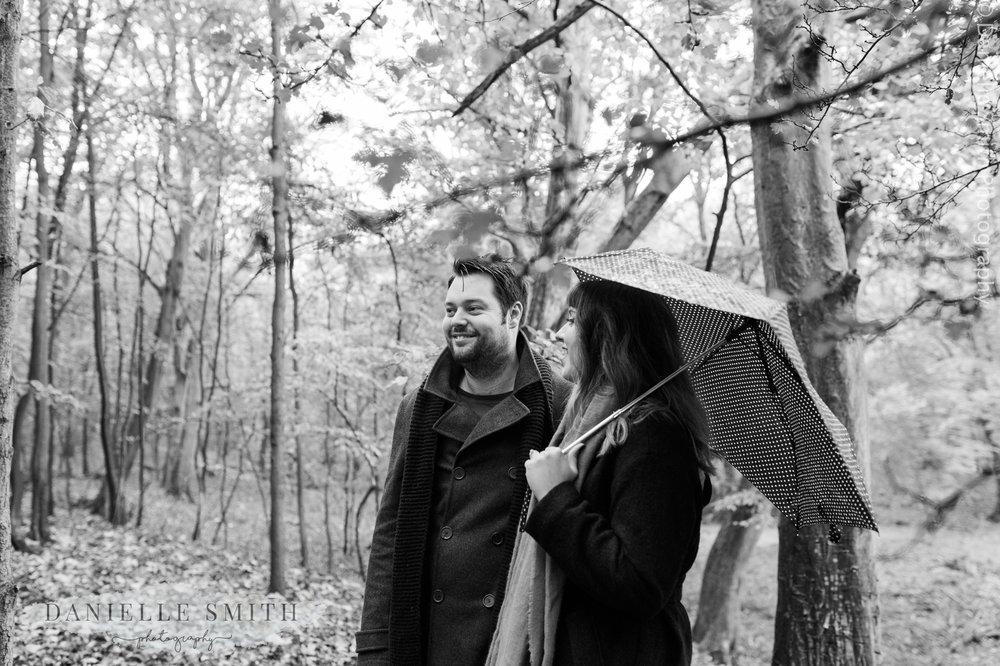woodland pre-wedding photo shoot