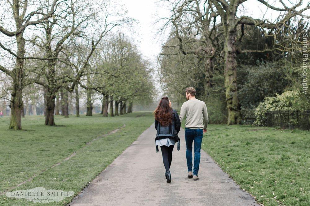 couple walking in Kensington Gardens