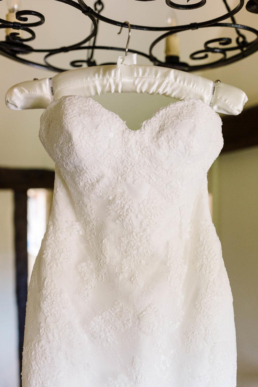 sweetheart neck wedding dress