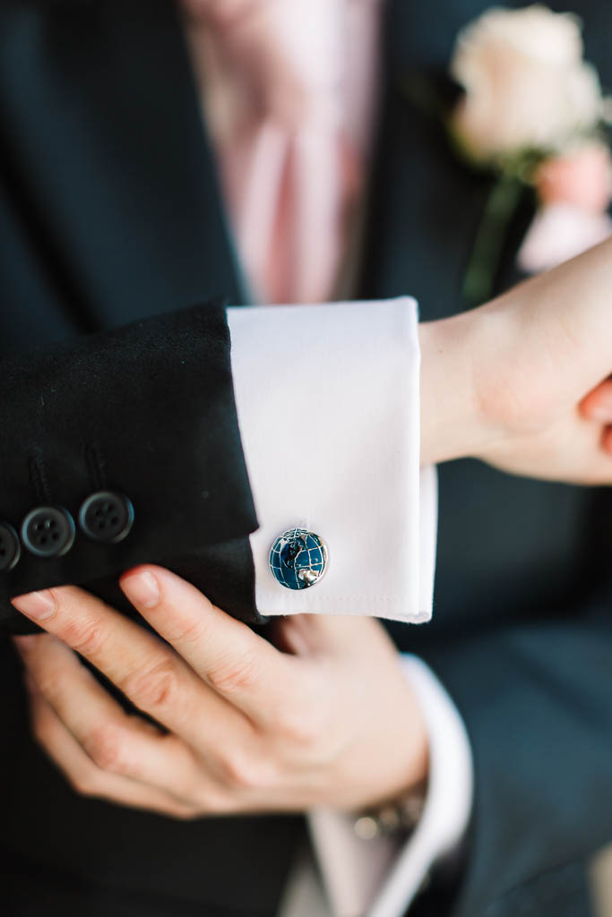 groom's world cufflinks