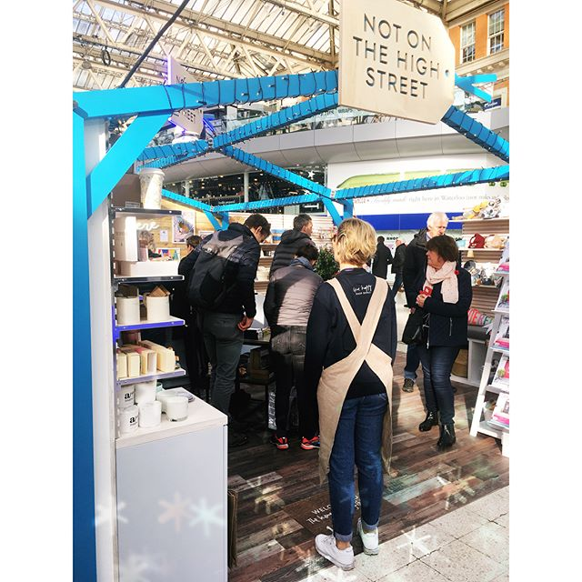 I'm in the NOTHS pop up Xmas shop in the middle of Waterloo station! Had a quick peak on the way back from a night out 😬 only to see one of the NOTHS crew holding one of my cards and chatting to a customer! Nice moment 😇 💪 . . . @wearenoths #noths #popup #popupshop #nothschristmas #gifting #maker #makersmovement #makersgonnamake #christmas #goals