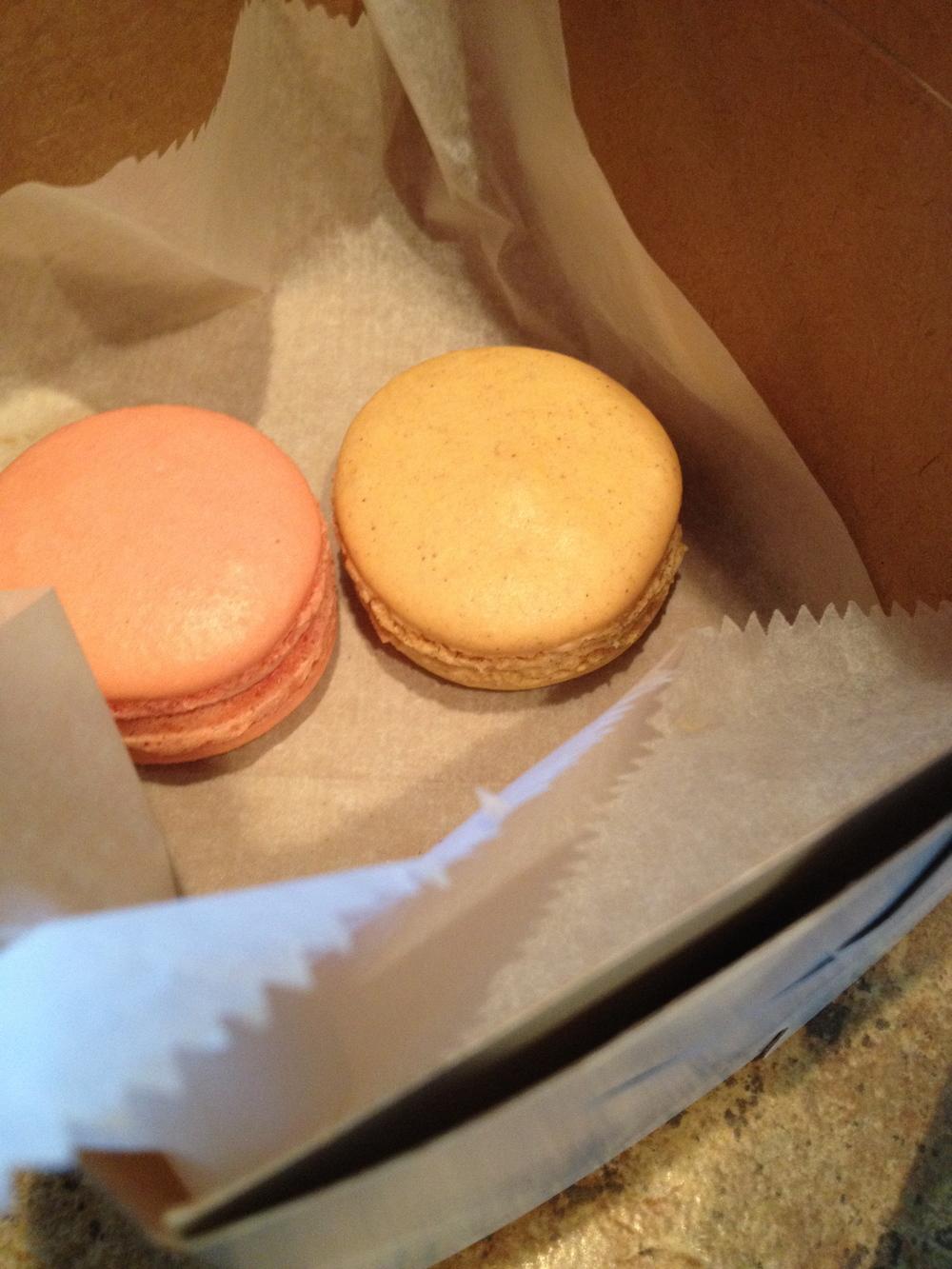 2-macarons.jpg