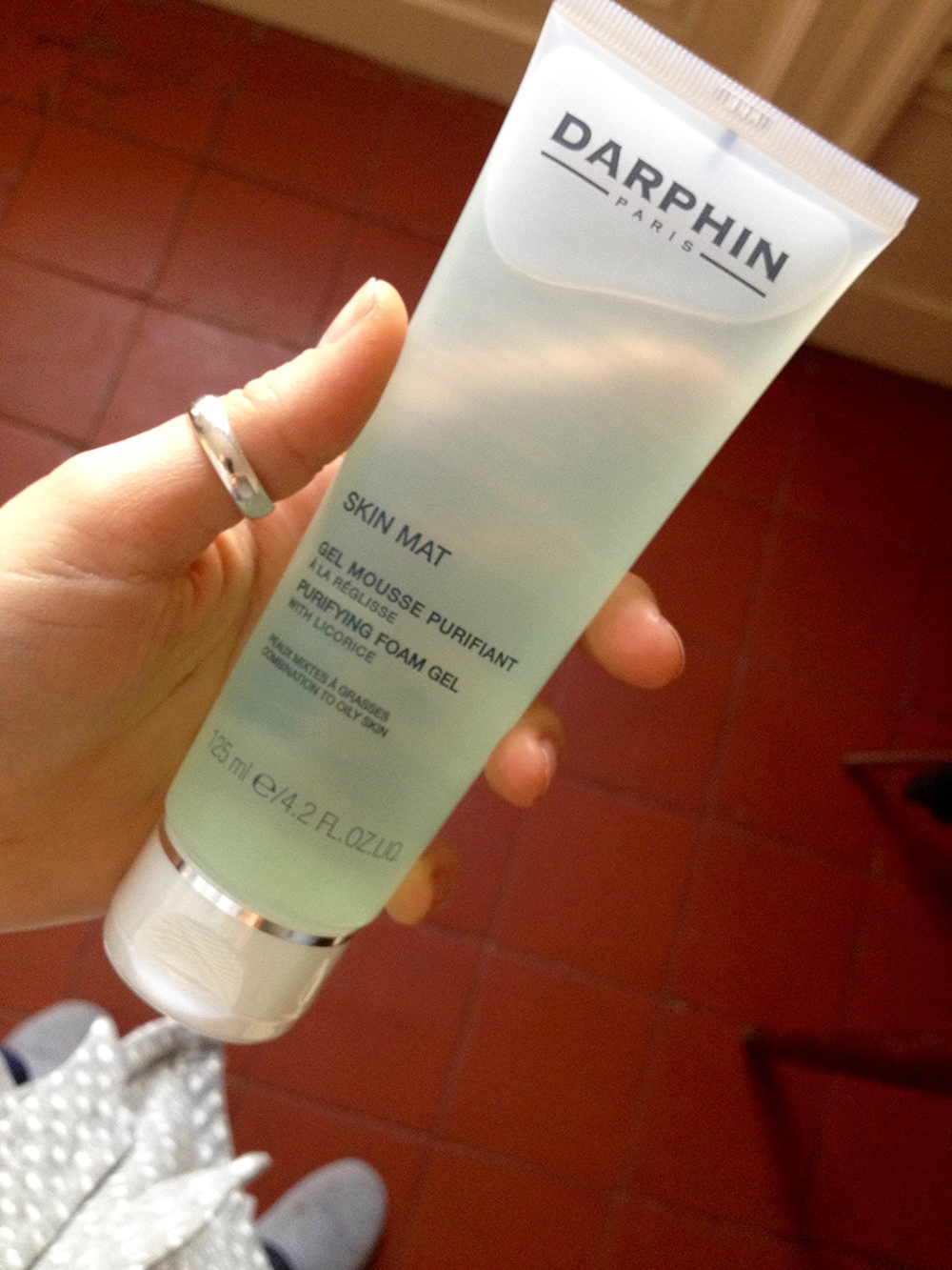 Cleanser:    Darphin gel mousse purifiant à la réglisse  , 125 mL, €19.90.