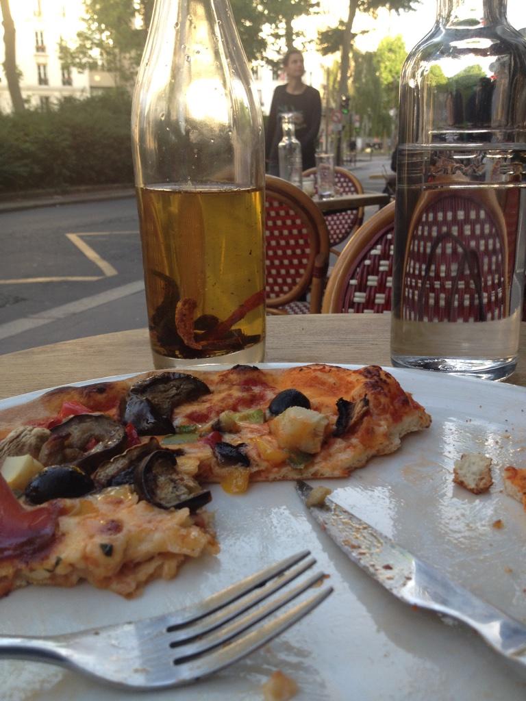 pizza first night in Paris.jpg