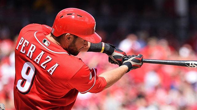 Great shot of Jose Peraza, who uses Swing XP for BP, from last night's Cincinnati Reds game. Jose went 4-5! #HipHipJose!