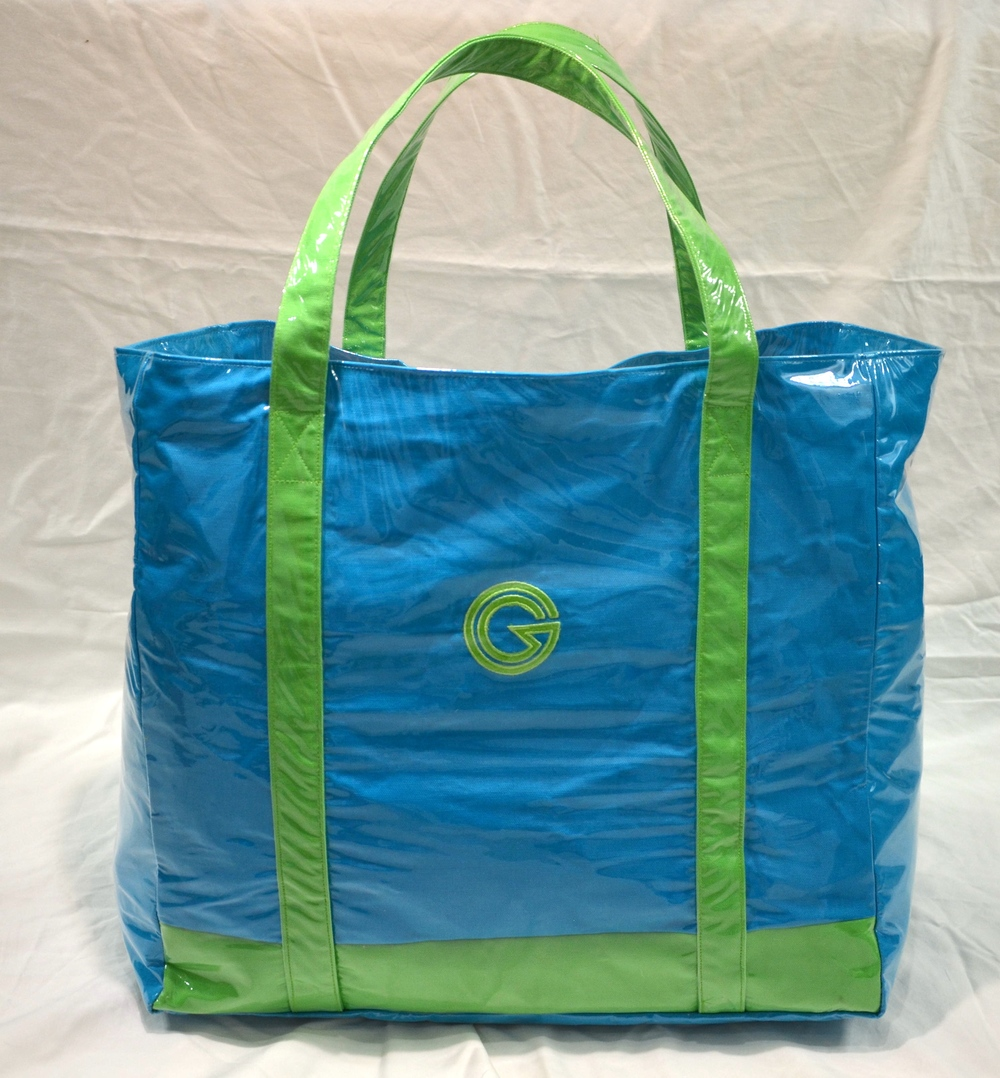 5820- Beach Bag. Shown with vinyl in Grotto Bengaline Moiré with Lime Trim. MSRP $165