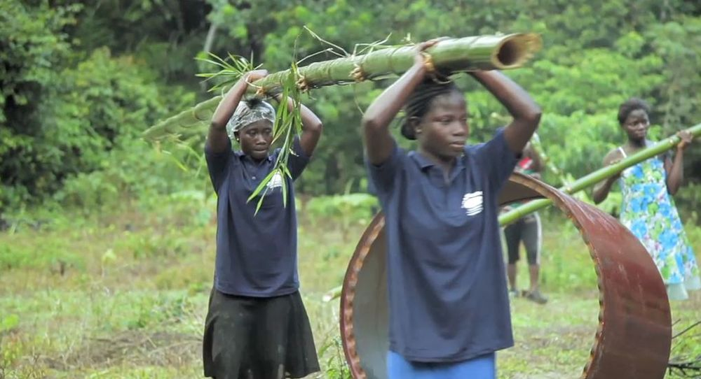 Climate Heroes of Ghana build bamboo bicycles
