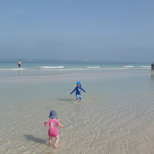 Dubai at its best.💙 #nofilter #weekend #playtime #beach #sunshine #bluesky #funinthesun #dubaikids #mydubai #UAE