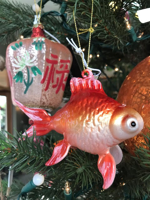 vintage_glass_fish_christmas_tree_ornament.jpg
