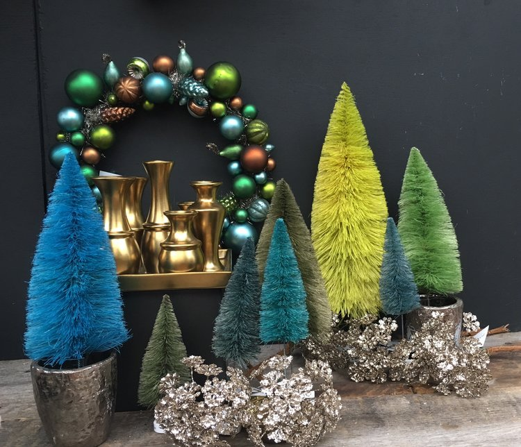 bottlebrush_trees_vintage_wreath.jpg