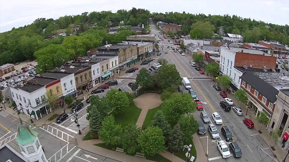 Chagrin Falls Town square.jpg