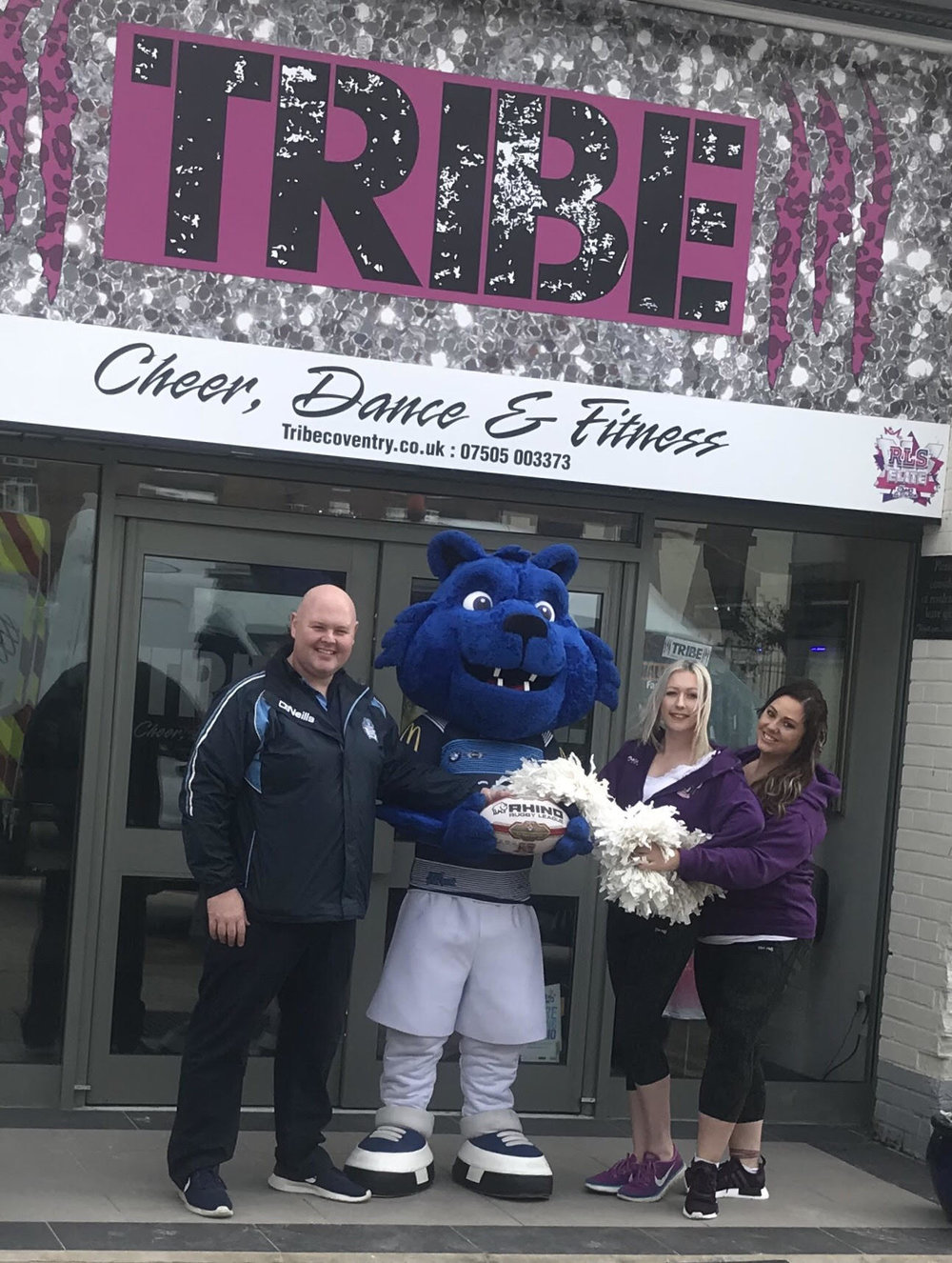 Alan Robinson and Big Blue meet Kim and Ellen from Tribe Coventry