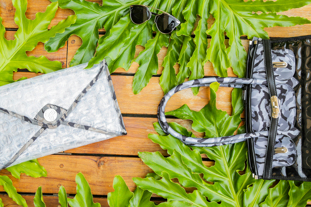 Featuring the  Mail Bag Crystal  and the  Roxane  crystal.