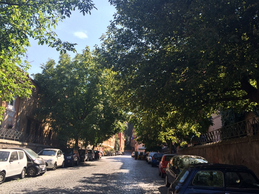 Side streets in Trastevere, quiet and peaceful