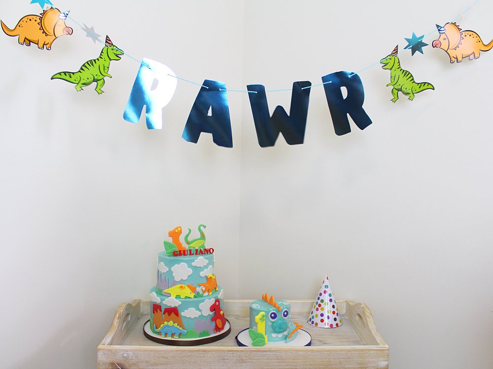 rawr-themed-birthday-party-dinosaur