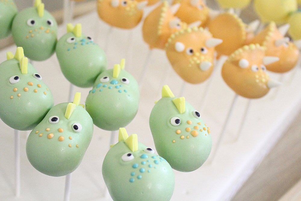 dinosaur-shaped-cake-pops