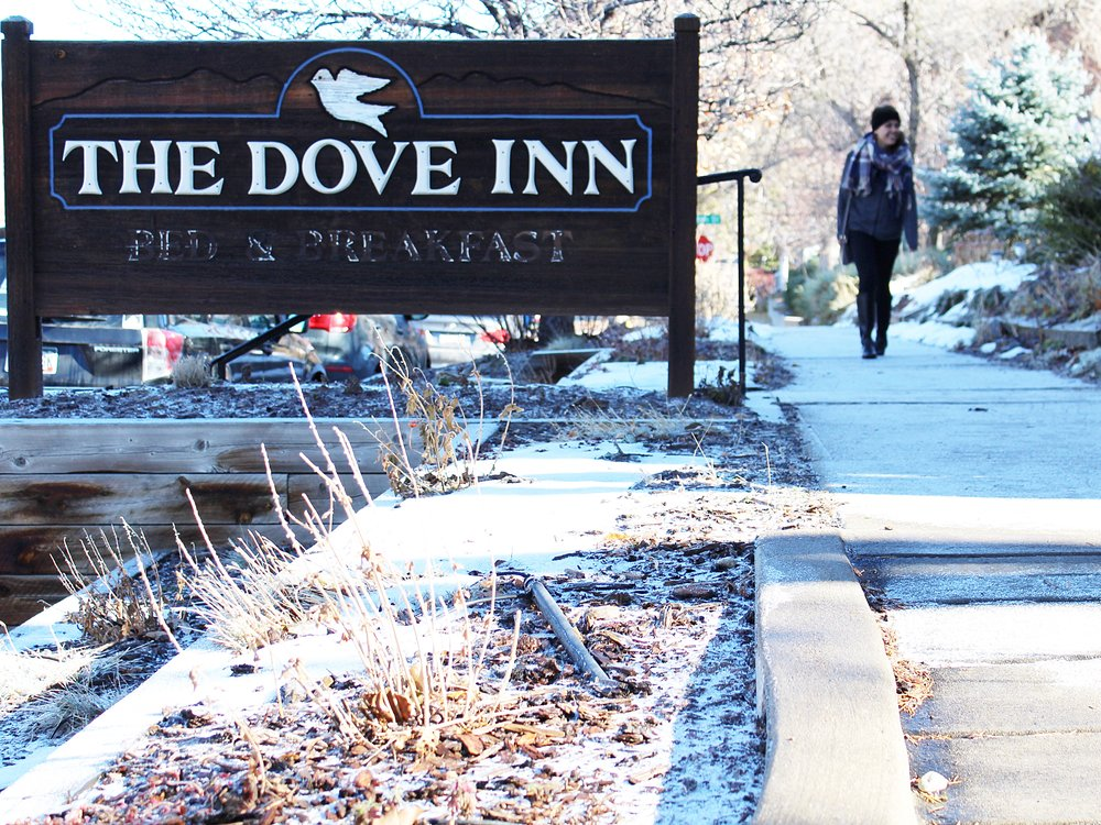 Dove Inn Golden Colorado Bed and Breakfast