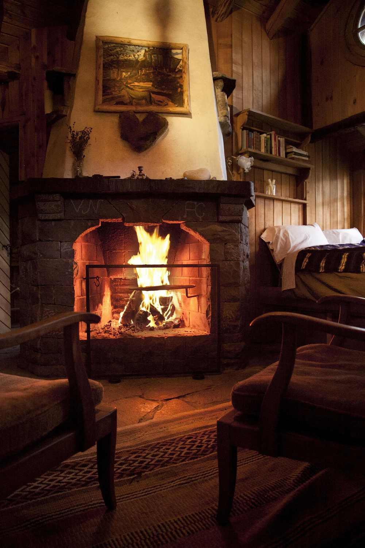 apart fireplace.jpg