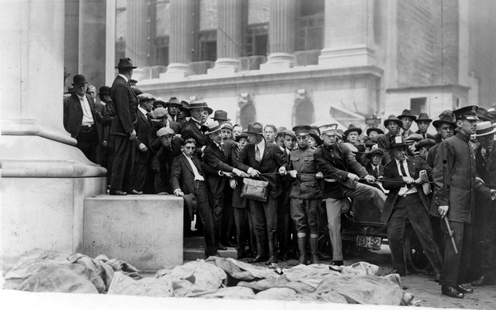 Original image: Bystanders gazing on the blast site at 23 Wall Street