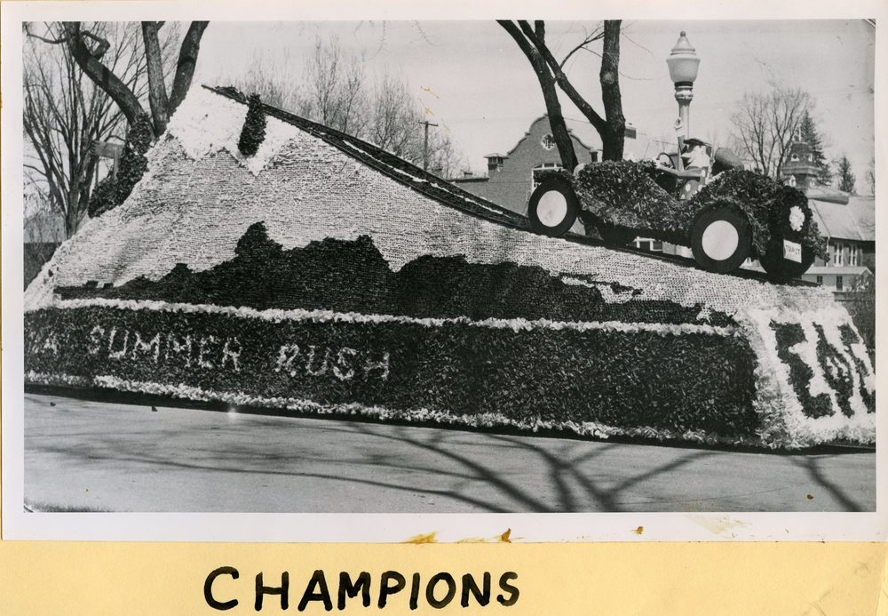 1960 Homecoming Float Champions