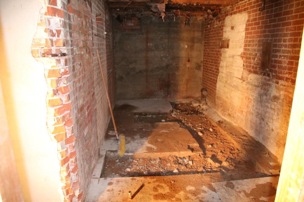 2015-08-03 mech rm plumbing trenches.JPG