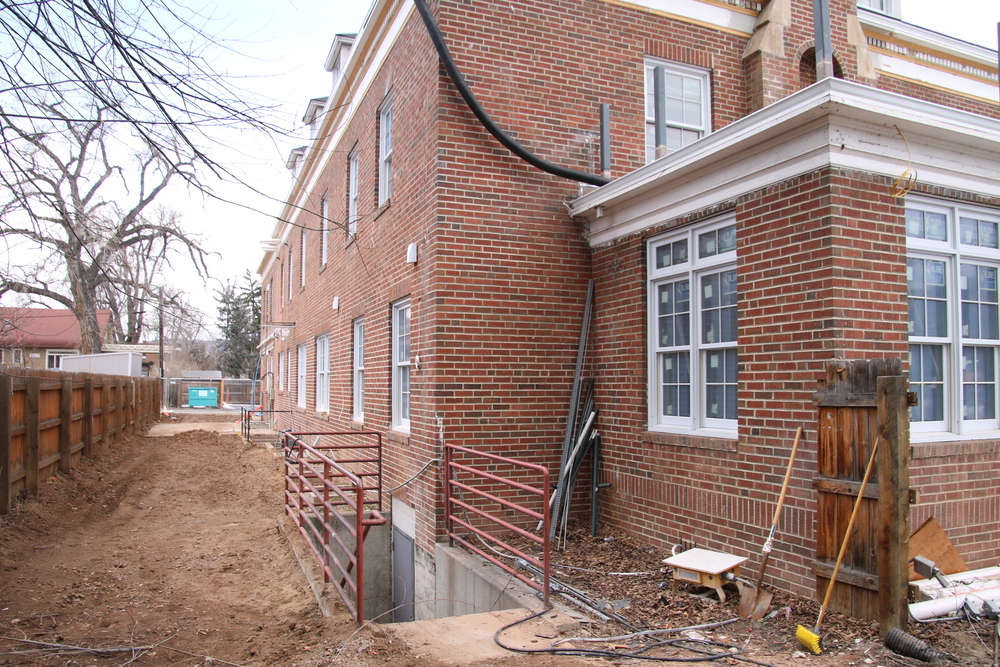 2016-02-15 SE corner of building.JPG