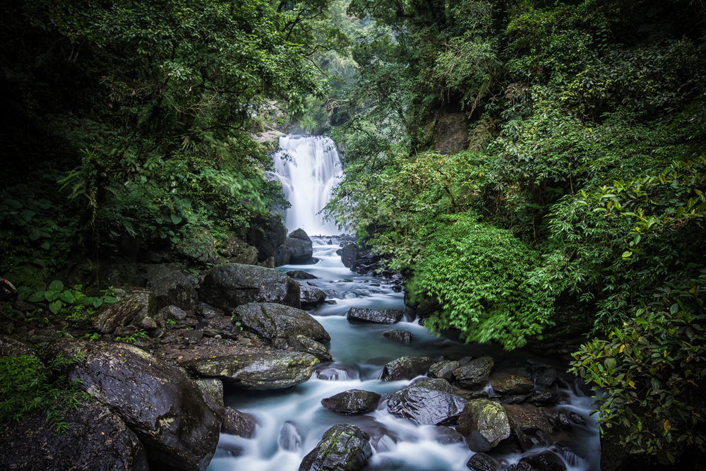 The lowest tier of the Xinxian waterfall