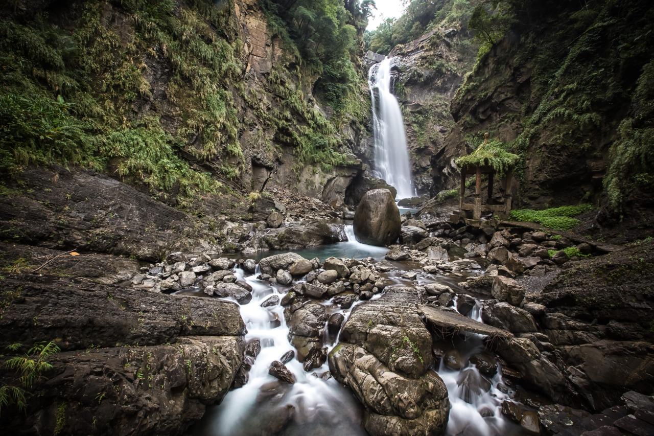 A long exposure of Xiao Wulai Waterfall (小烏來瀑布)