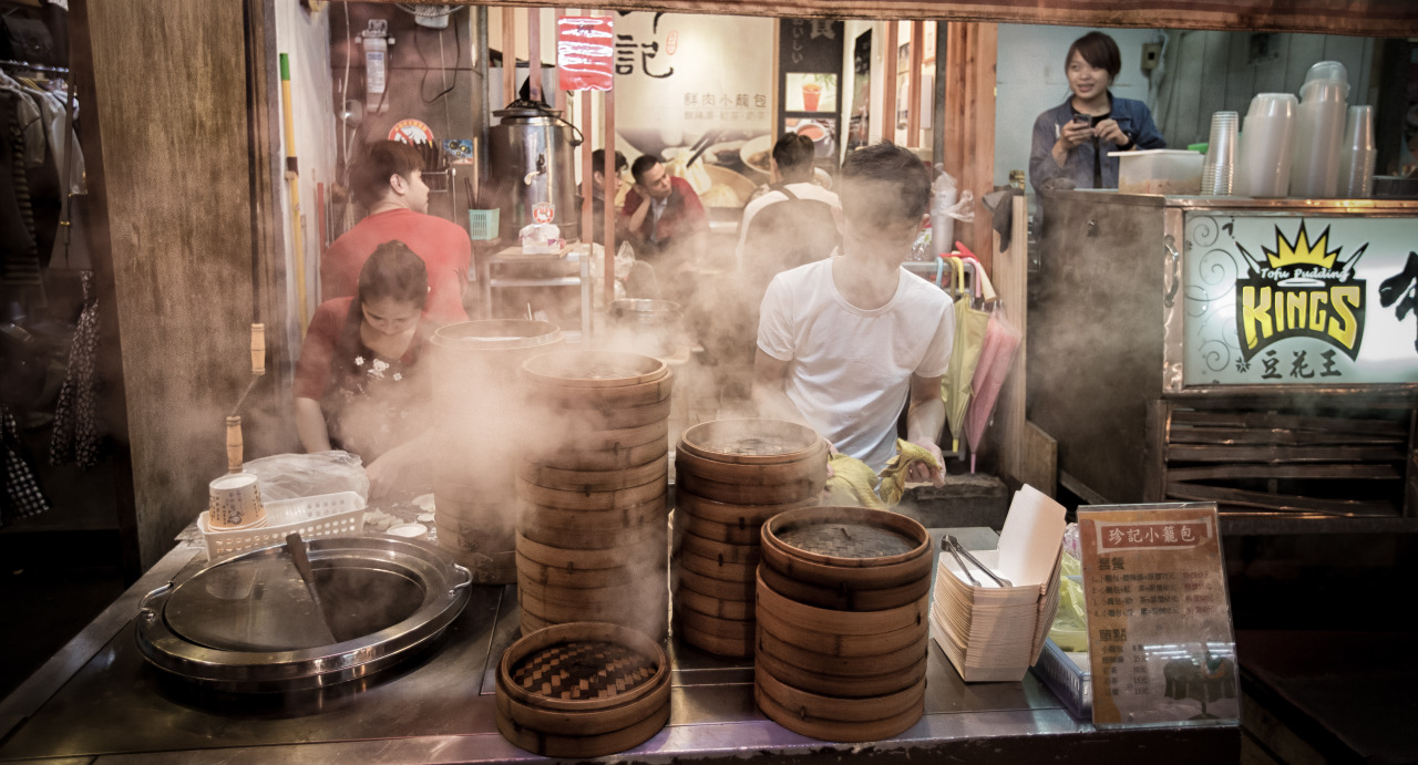Steamed Dumplings at the Chung-Yuan Night Market (中原夜市)