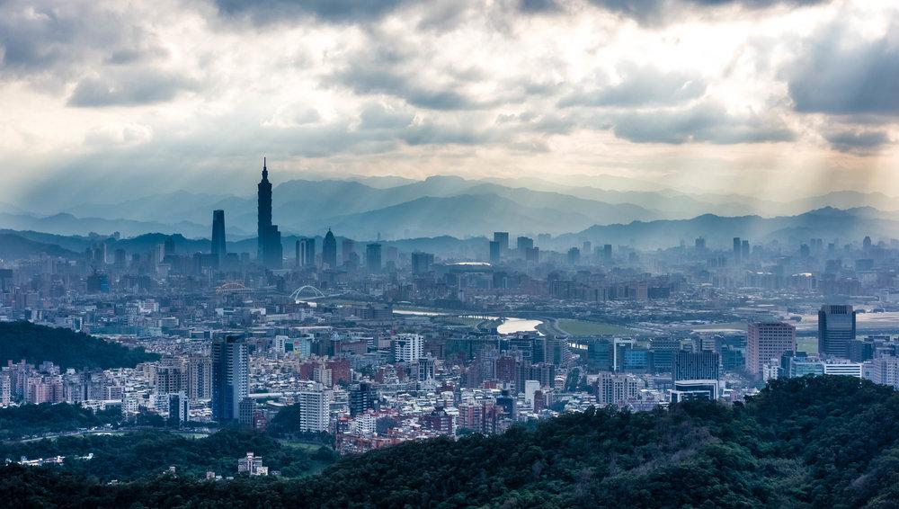 A rainy sunset in Taipei