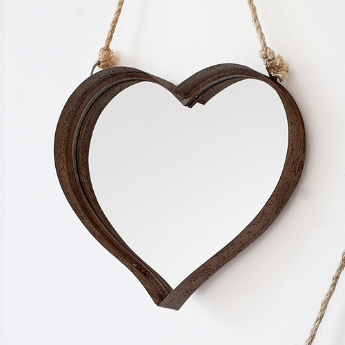 "Metal heart (rustic set of 2)               20""x 20""      18""x 16"""