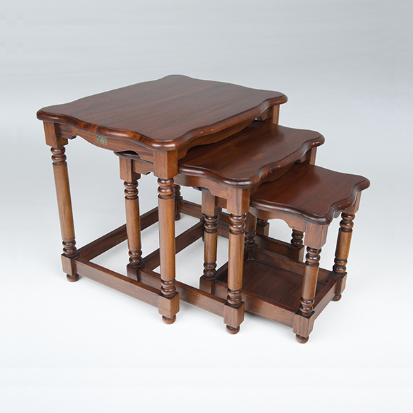 AM260/M    Victorian Nest of 3 Tables
