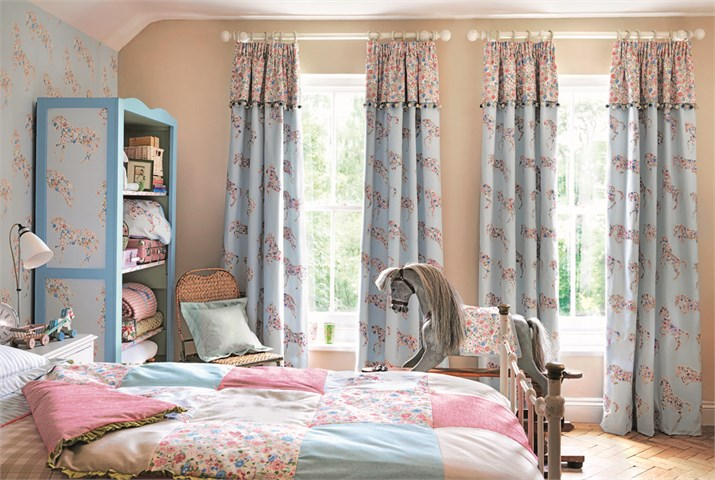 Pretty Ponies curtain.jpg