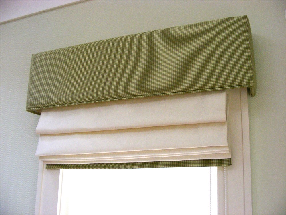 Roman Blind with contrast pelmet