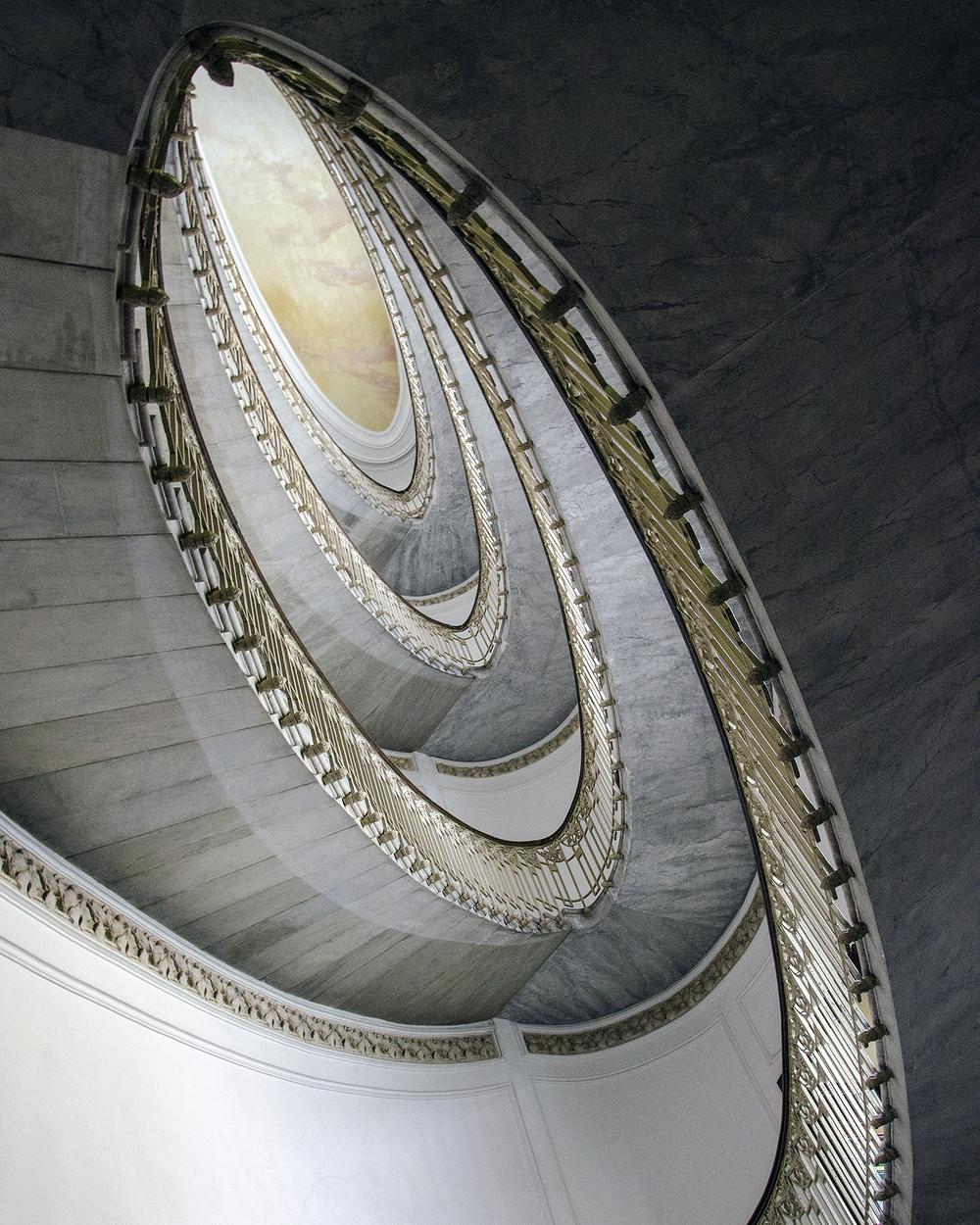 Scalone palazzo Mannajuolo-2808.jpg