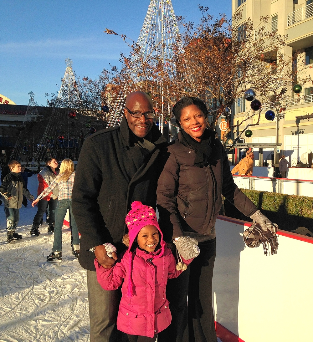 family ice skating.jpg