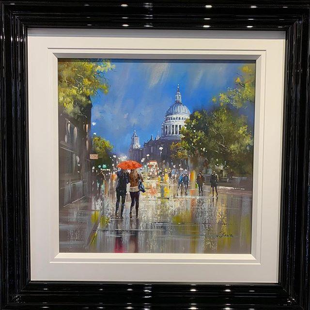 Featured artist of the week is Joe Bowen, we have two pieces of his artwork on display depicting London and New York cityscapes.  #fineartgallery #localartist #lovebelper #originalart #originalartwork #originalartforsale