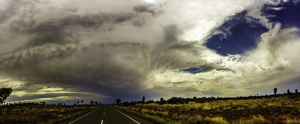 Storm on Kata-Tjuta Road (c) Claudia Jocher 2016