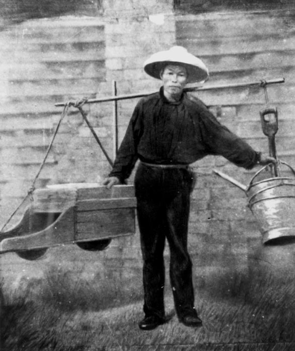 Chinese gold miner 1860's. Photo courtesy  State Library of Queensland .