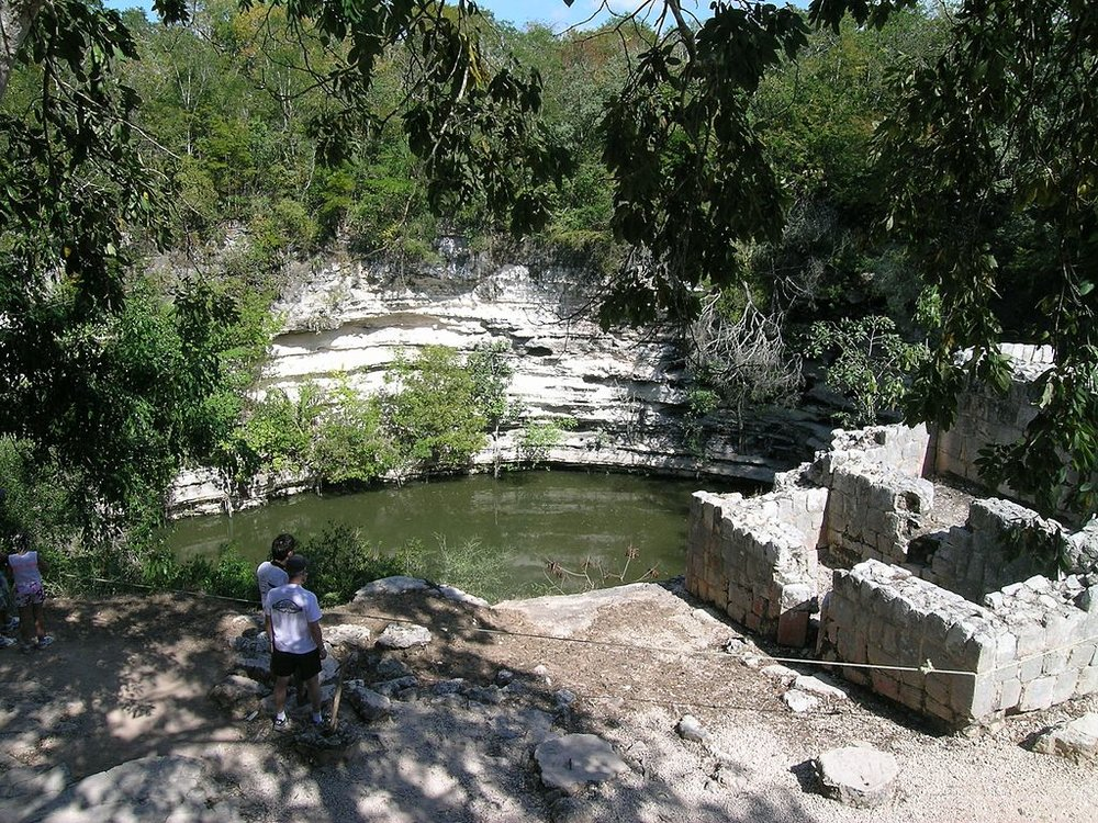 The Sacred Cenote at Chichén Itzá. Photo by  Salhedine .