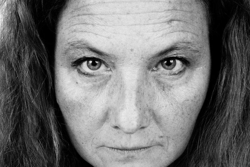 Esther. La fotogenia è sopravvalutata e oltremodo limitante. Preferiamo che la foto sia innanzitutto un ritratto del fotografo stesso.©E. Amrein, 2015.
