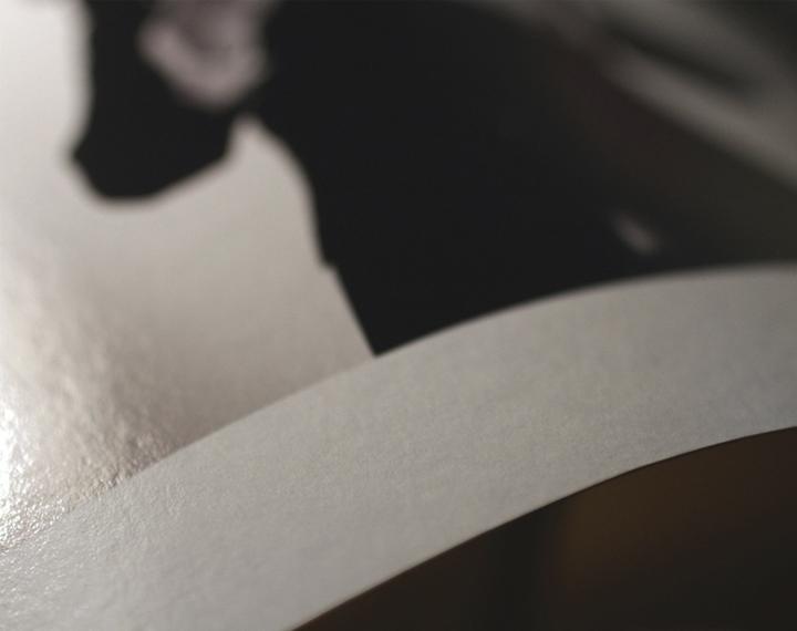 Un particolare di stampa su Hahnemulhe Fine Art Baryta, carta semi-lucida da  325gsm, 100% cellulosa .
