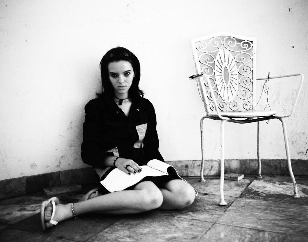 Darstellerin, TCT Theater Performance, Kulturzentrum Mitrovica, Kosovo, 2009